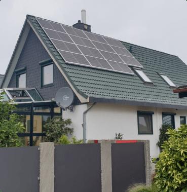 Einfamilienhaus Solaranlage mit 9 kWp und Speicher