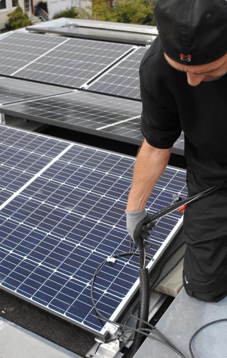 Solaranlagen Monteur